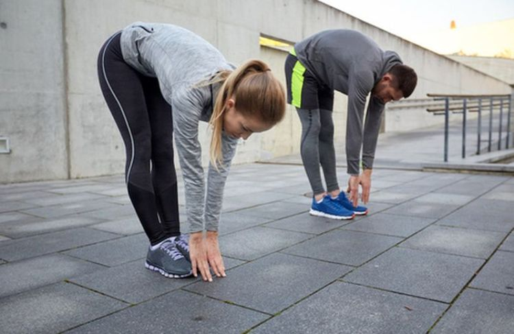 24534-stretching-in-coppia-esercizi-e-benefici