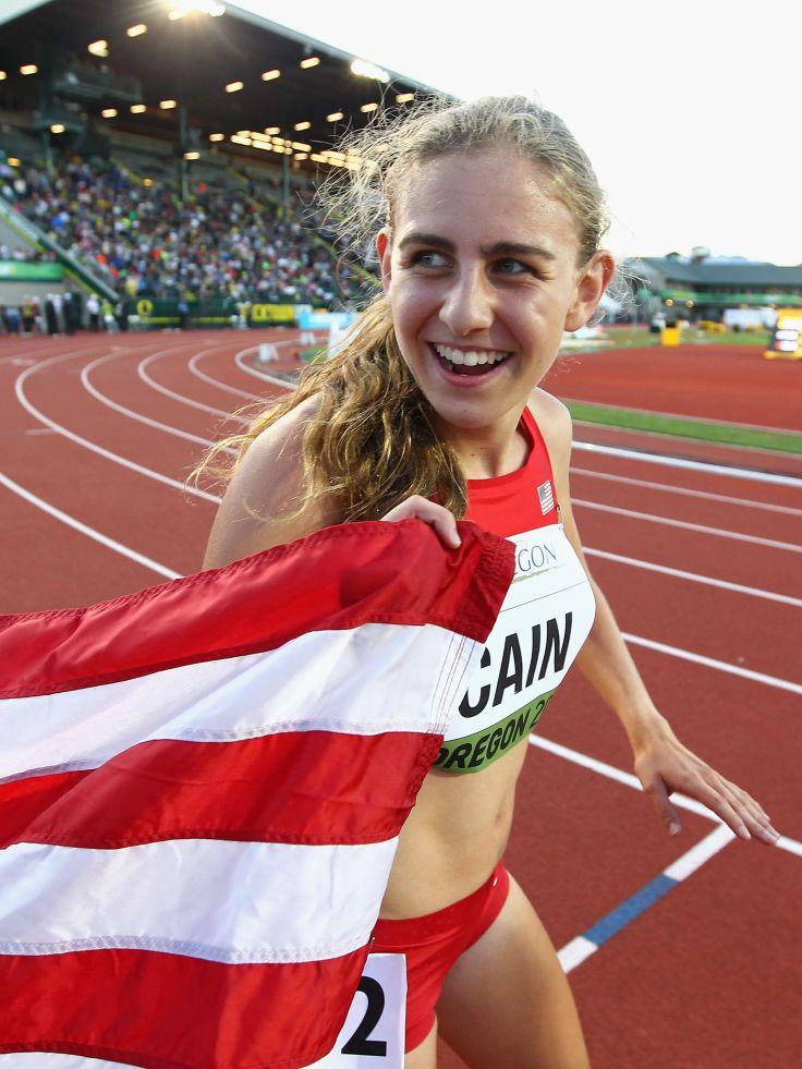 mary-cain-of-the-u-s-celebrates-winning-the-3000m-final-news-photo-1573429724